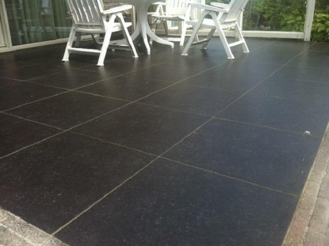 Terras aanleg van keramische buitentegels 60x60x2cm. Aangelegd in De ...