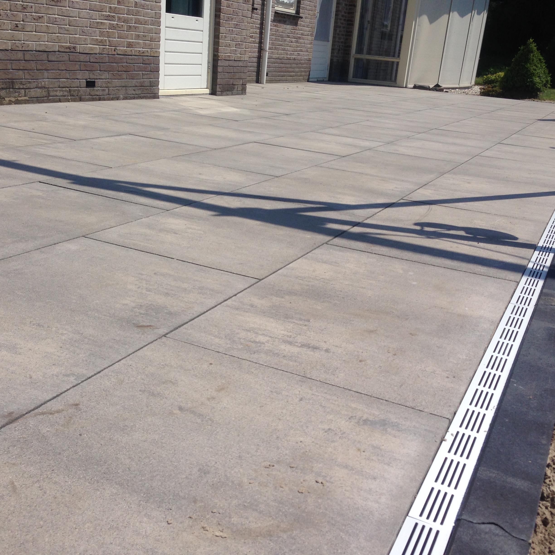 Terras met 60x90cm tegels te Drachten
