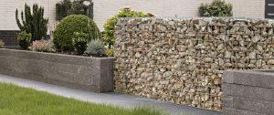 Grindkorven als afscheiding of muurtje te vullen met allerlei soorten natuursteen
