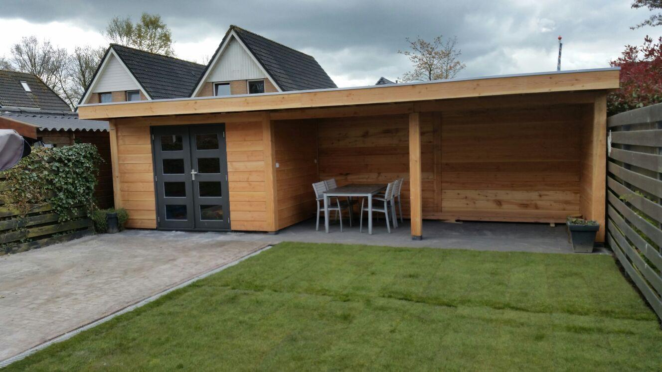 Houtbouw totaalbestrating for Berging met veranda