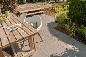 Stoere betonlook betontegels van Excluton verkrijgbaar bij Totaal Bestrating
