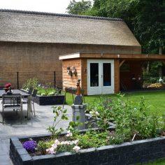 Compleet nieuw aangelegde tuin