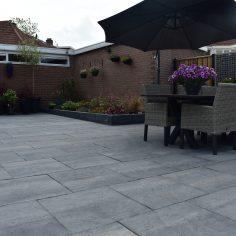 Tuin met 60×60 tegels Leeuwarden