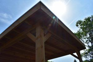 Douglas overkapping zonder wanden 600x350cm; EPDM dak; geleverd en geplaatst door Totaal Bestrating