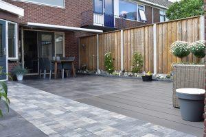 Tuinen aanleggen doet totaal bestrating ook! Stoere materialen met de Noviton Rimini, Opritsteen Icey Blue en het beton- schutting systeem