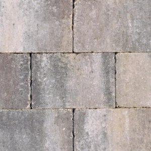 Getrommelde betonstenen in een prachtig genuanceerde kleur voor terras, pad en oprit; authentiek; zomers; getrommeld