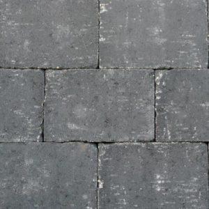 abbeystones 20x30x6cm nero zijn Getrommelde betonstenen in een prachtig zwarte kleur voor terras, pad en oprit; authentiek; zomers; getrommeld
