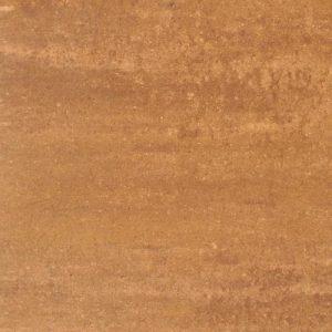 Betontegels in het formaat 60x60 in een warme kleur vindt u bij Totaal Bestrating;