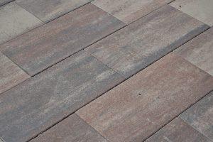 kwalitatieve betontegels in een genuanceerde kleur