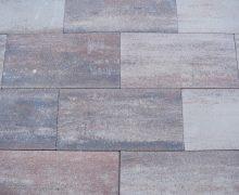 Diverse kleuren 30x60 tegels zijn altijd verkrijgbaar bij totaal bestrating