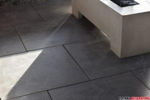 Strakke betontegels in het 70x70x3cm formaat vind je bij Totaal Bestrating