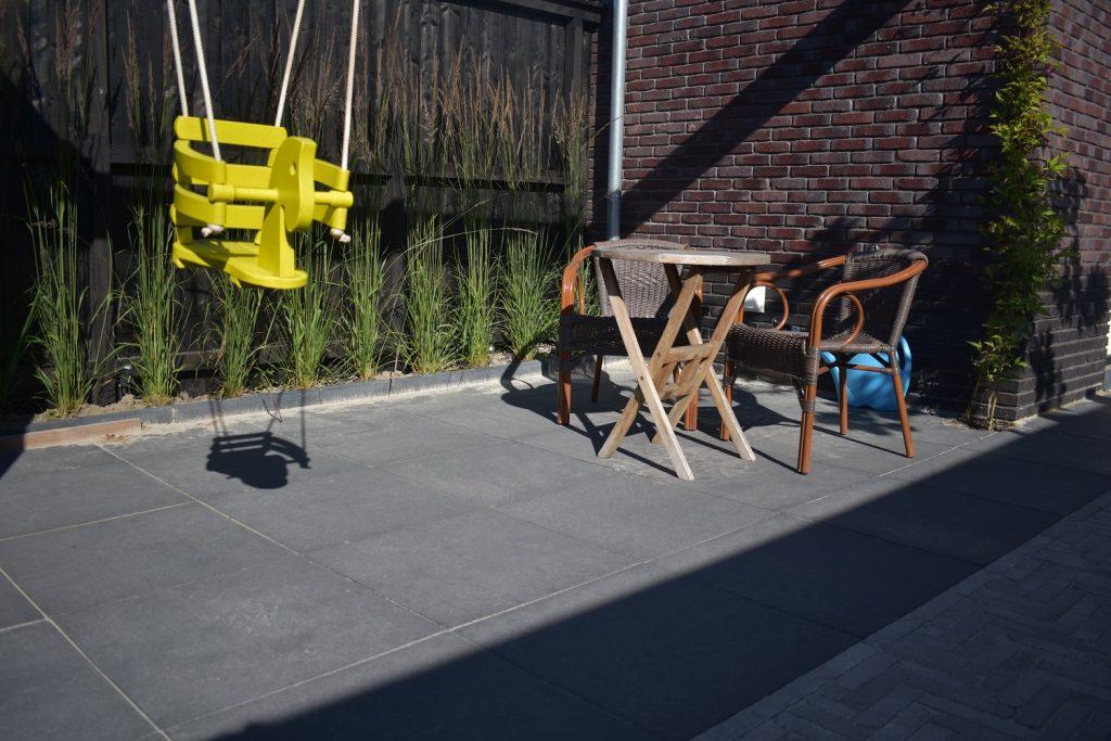 zwarte betontegels, kwaliteit betontegels, optimum ardesia graphite