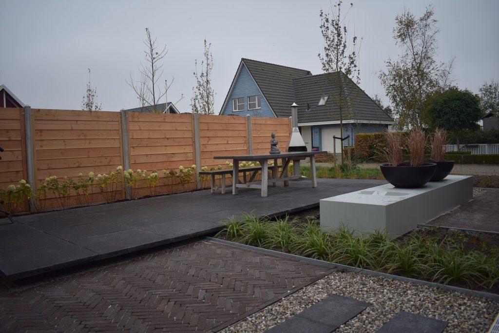 Grote Zwarte Terrastegels.Voor Sierbestrating Tuinhuizen Tuinhout Totaal