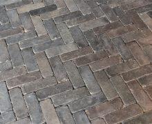Getrommelde betondikformaat bruin zwart