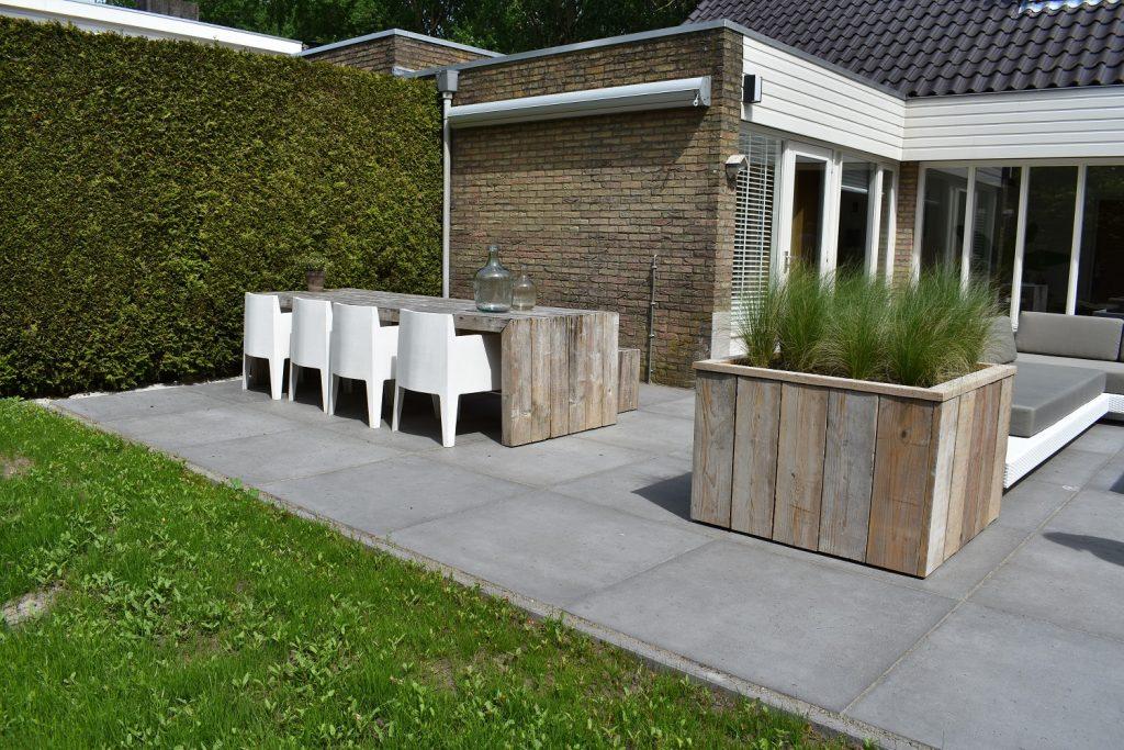 Oud Hollands 100x100 grijs bij Totaal bestrating