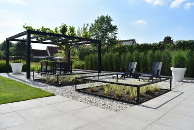 Tuin met onze Old Dutch 2.0 betontegel